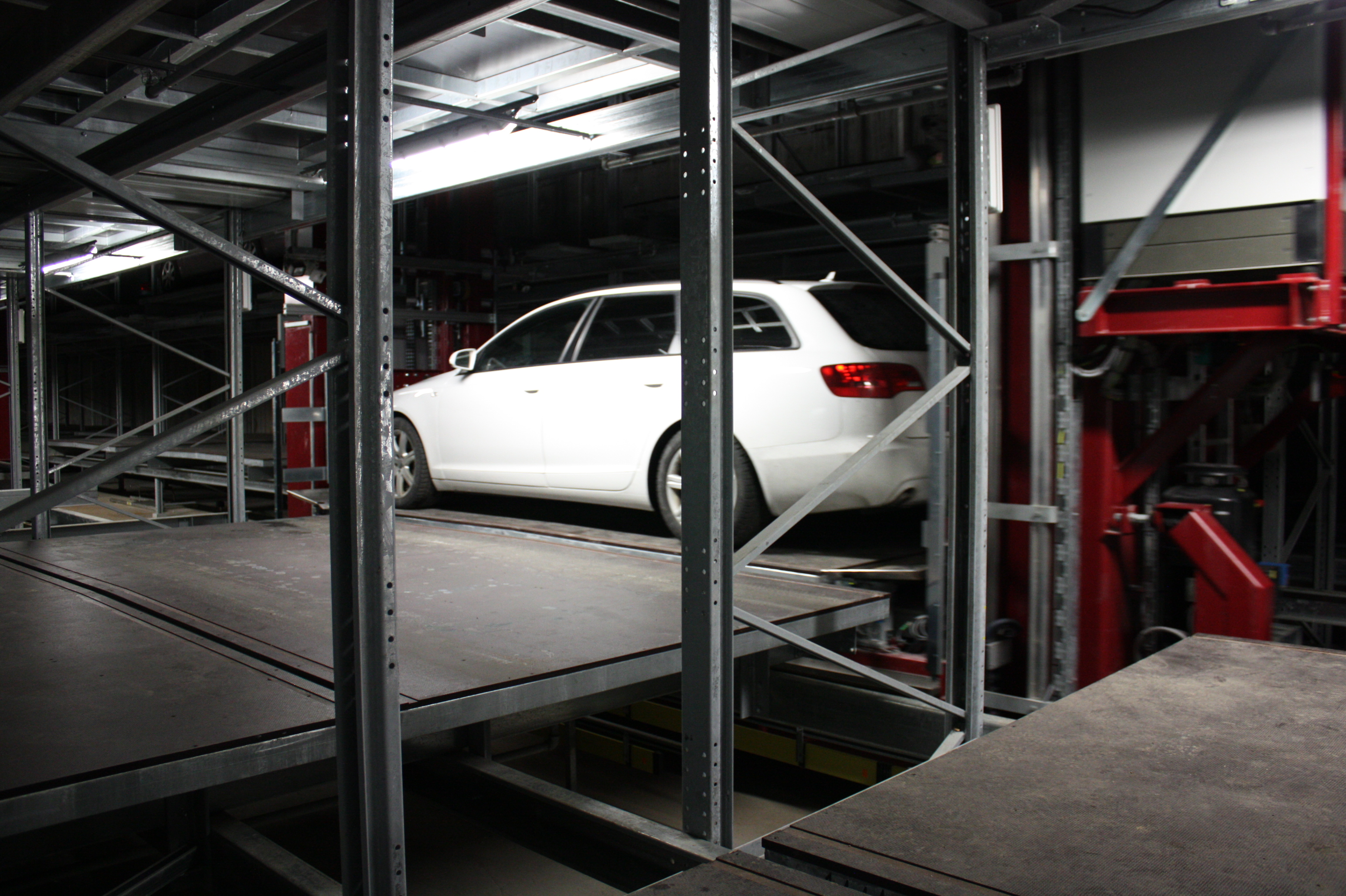 Fully Automated Pallet Parking System